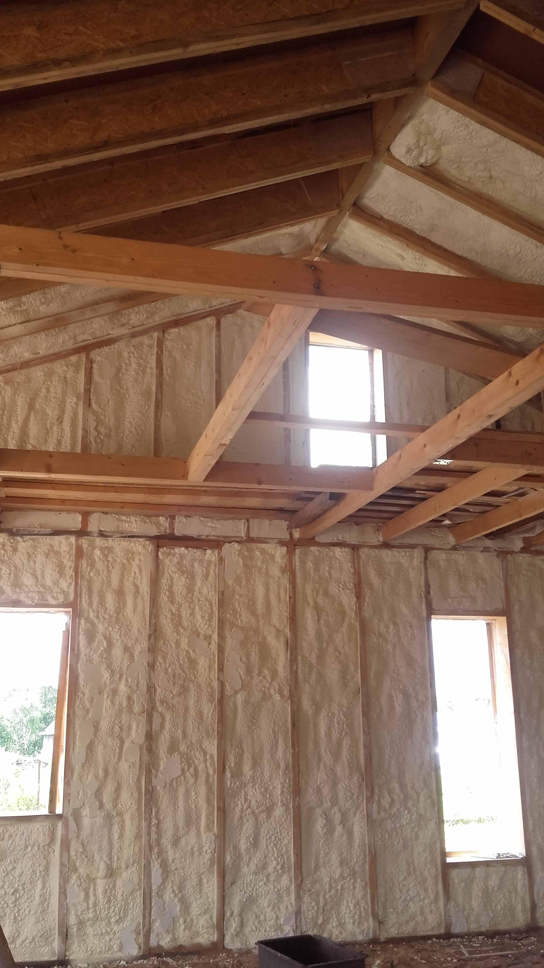 Karkasinis namas apšiltintas poliuretano putomis